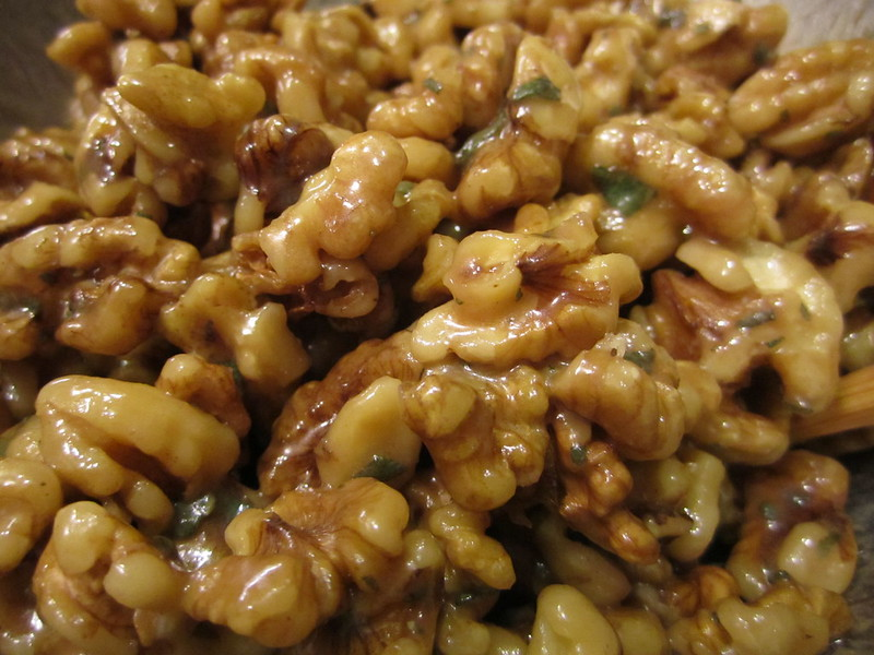 LettuceSpoon: Last Thanksgiving | Sage Candied Walnuts