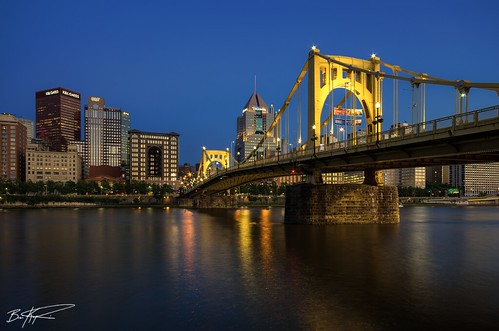city bridge blue yellow architecture lights evening exposure downtown pittsburgh state dusk pennsylvania awesome penn bluehour roberto hdr highdynamicrange clemente pnc highmark klgates briankoprowski bkoprowski