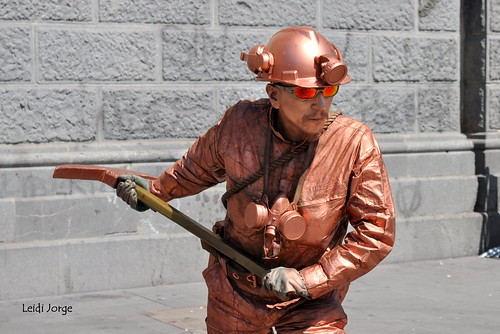 Copper miner, living statue
