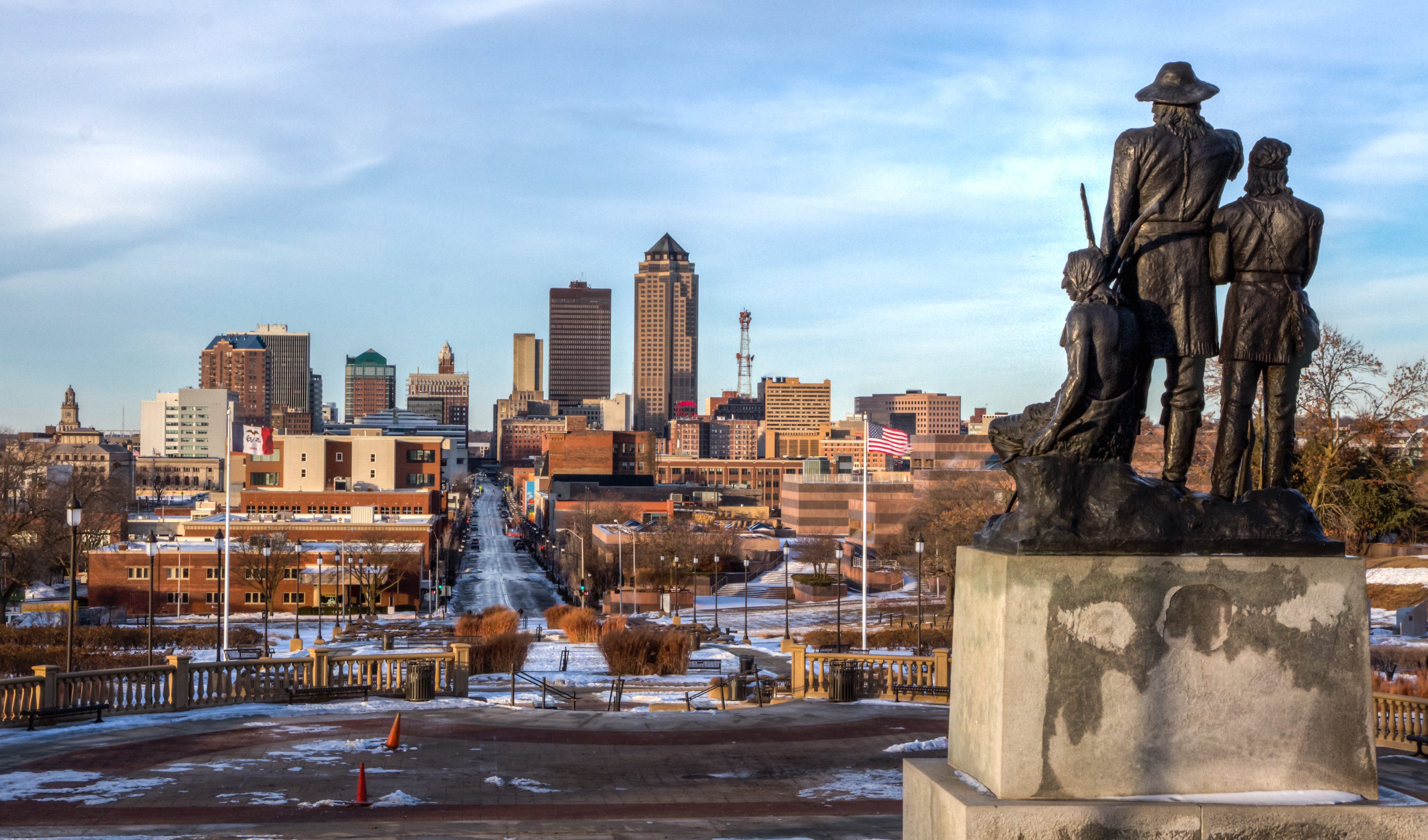 des moines Discover des moines, iowa with the help of your friends search for restaurants, hotels, museums and more.