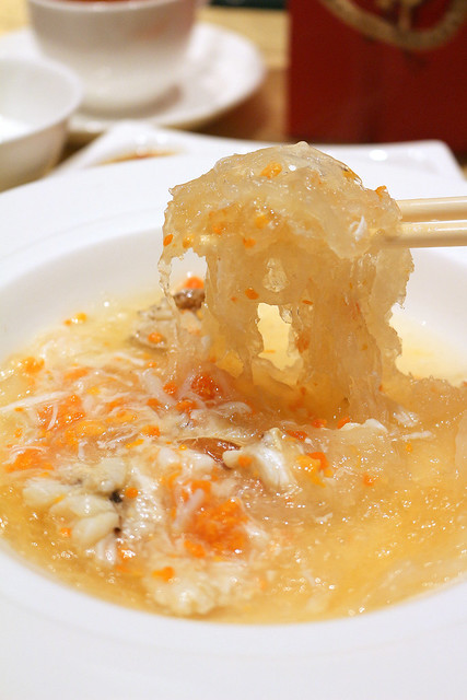 Braised Superior Bird's Nest with Crabmeat and Crab Roe