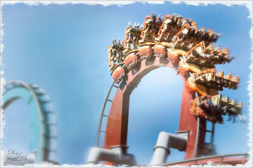 Image of a roller coaster at Universal Studios-Orlando with Nik Analog Efex Pro 2 applied