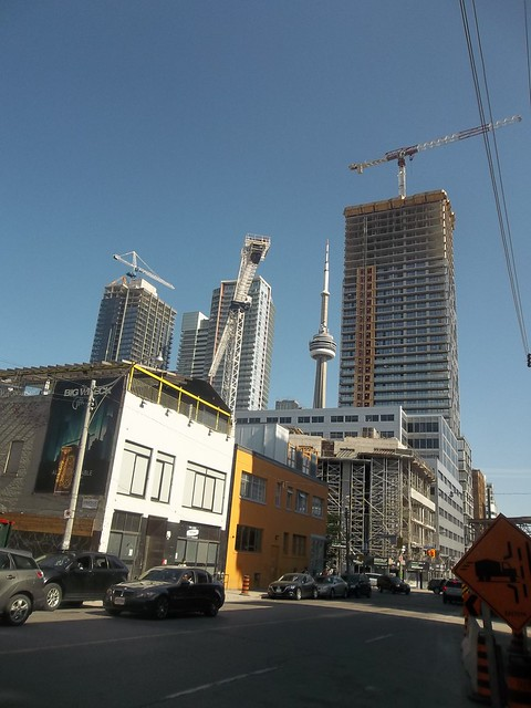 Tableau Condos under construction, 117 Peter Street (2)