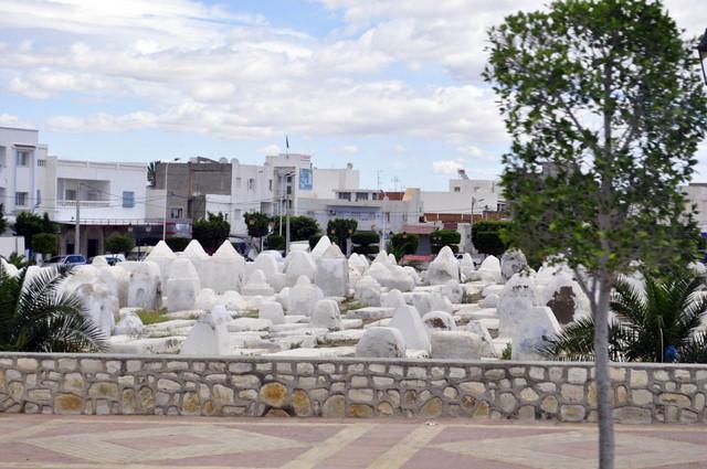Cementerio en Kairouan Kairouan, la cuarta ciudad más santa de la fe musulmana - 14128815104 3c274e86a6 z - Kairouan, la cuarta ciudad más santa de la fe musulmana
