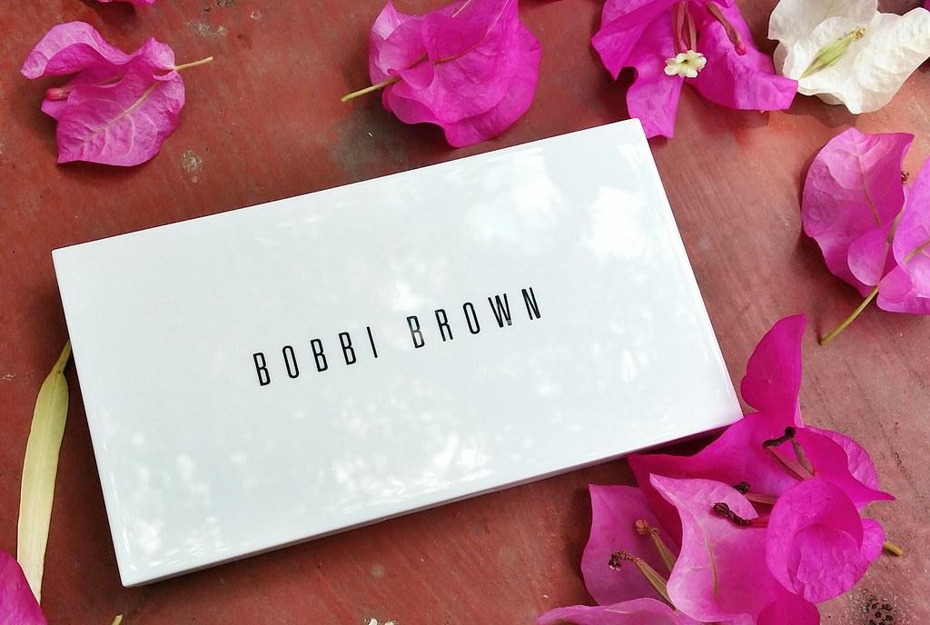 Bobbi-brown-powder-compact