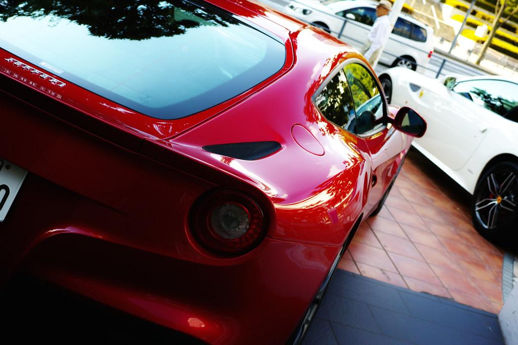 Quattro Shoots Ferrari F12 berlinetta