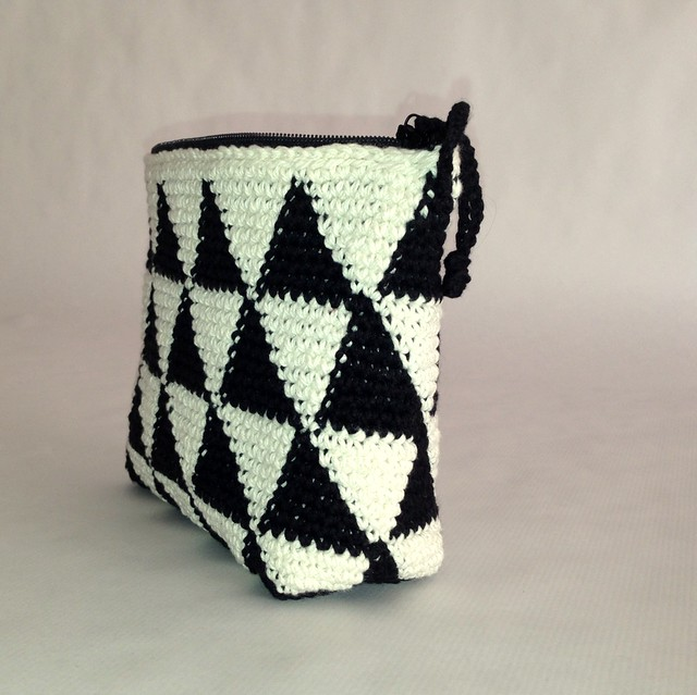 B&N crochet clutch