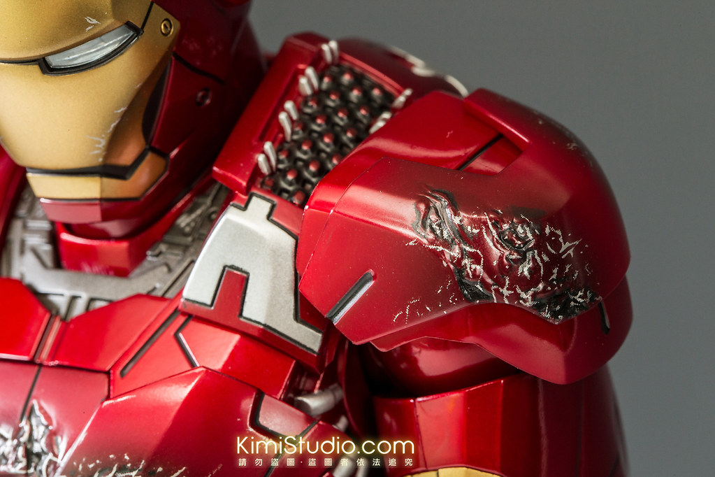 2013.06.11 Hot Toys Iron Man Mark VII-060