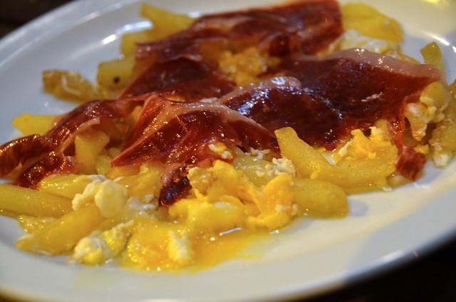 Revuelto de huevo con jamón, Volapié