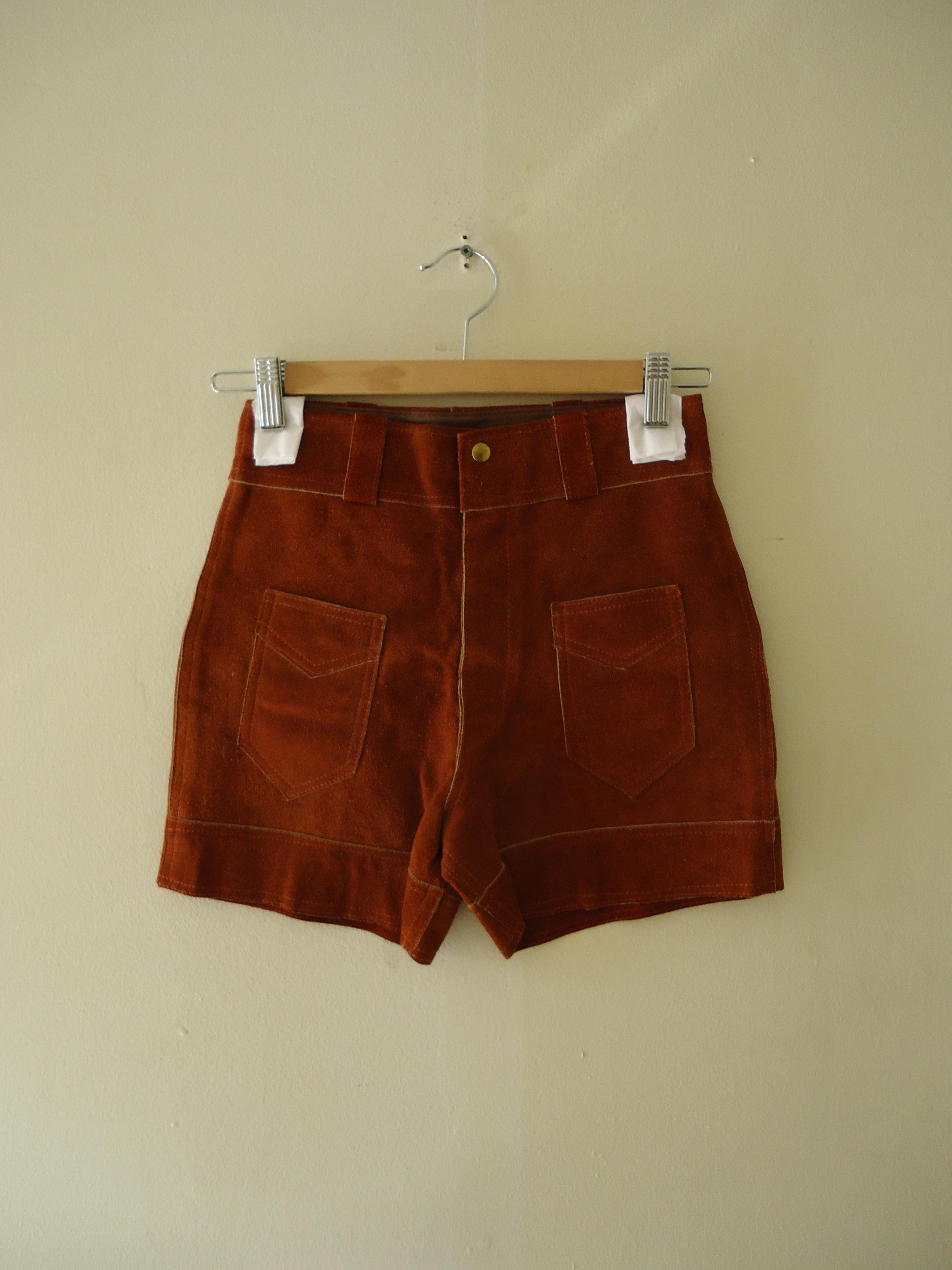 Irene & Irene Vintage Suede Hot Shorts