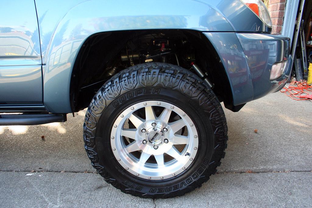 265 70 17 Cooper STT Tires