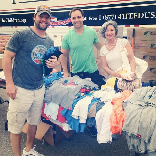 Wes Welker gives away Sportiqe to OKC Tornado victims