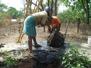 Revival of existing well for arsenic free water (Credit:Saurabh Singh Inner Voice Foundation)