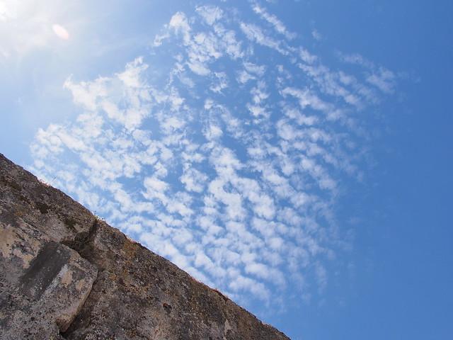 老城牆的天空