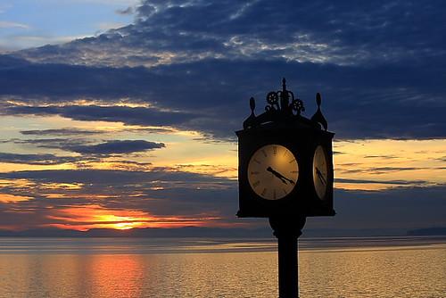 winter sunset sky canada color clock colors canon eos colorful bc britishcolumbia 420 pacificocean northamerica whiterock 2013 40d 55250 canon40d canon40dcanon samird