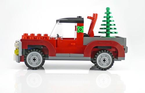 40083 Christmas Tree Truck 10