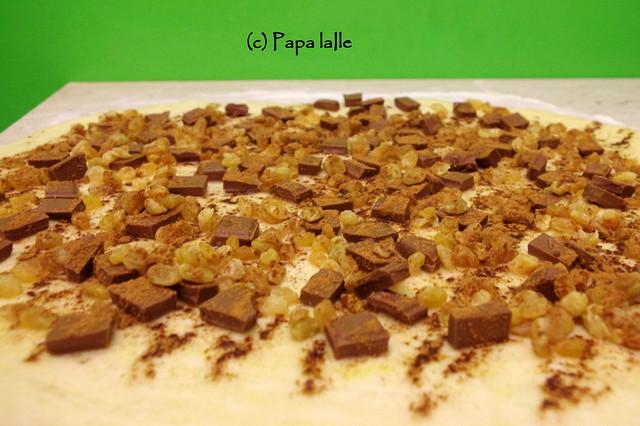 Coronita cu ciocolata stafide si scortisoara (5)