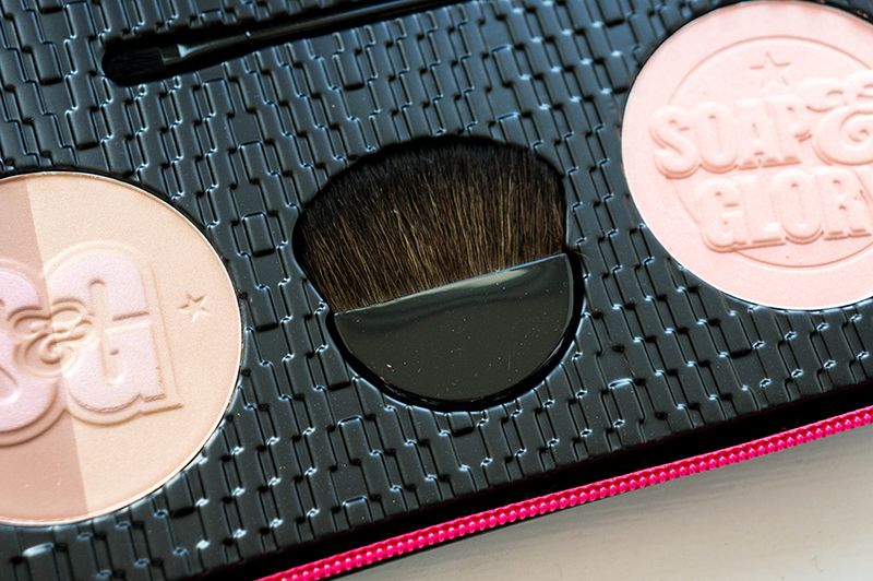 Soap & Glory: Girl-o-Whirl Powder | www.latenightnonsense.com
