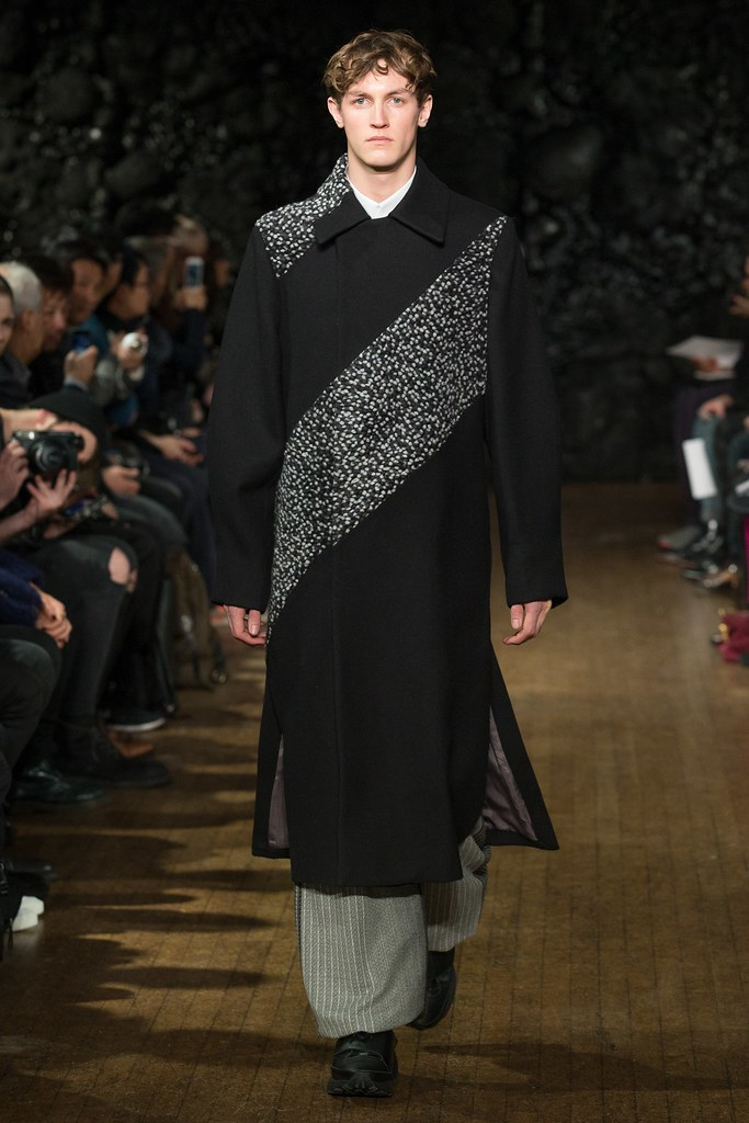 FW14 London Xander Zhou005_Rutger Schoone(VOGUE)
