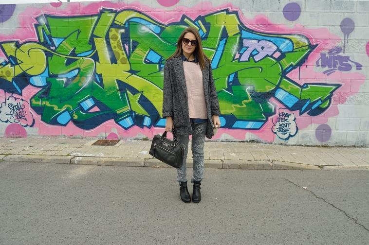 lara-vazquez-madlula-blog-winter-soft-pink-grey-look