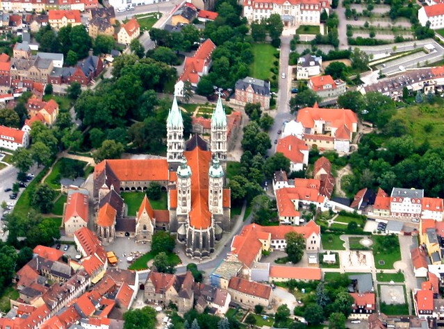 NBG -View of the Naumburg Cathedral from the balloon