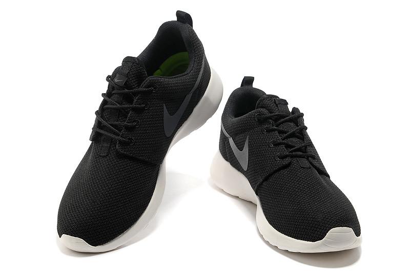 nike-roshe-run-men-black-dark-grey-running-shoes-002