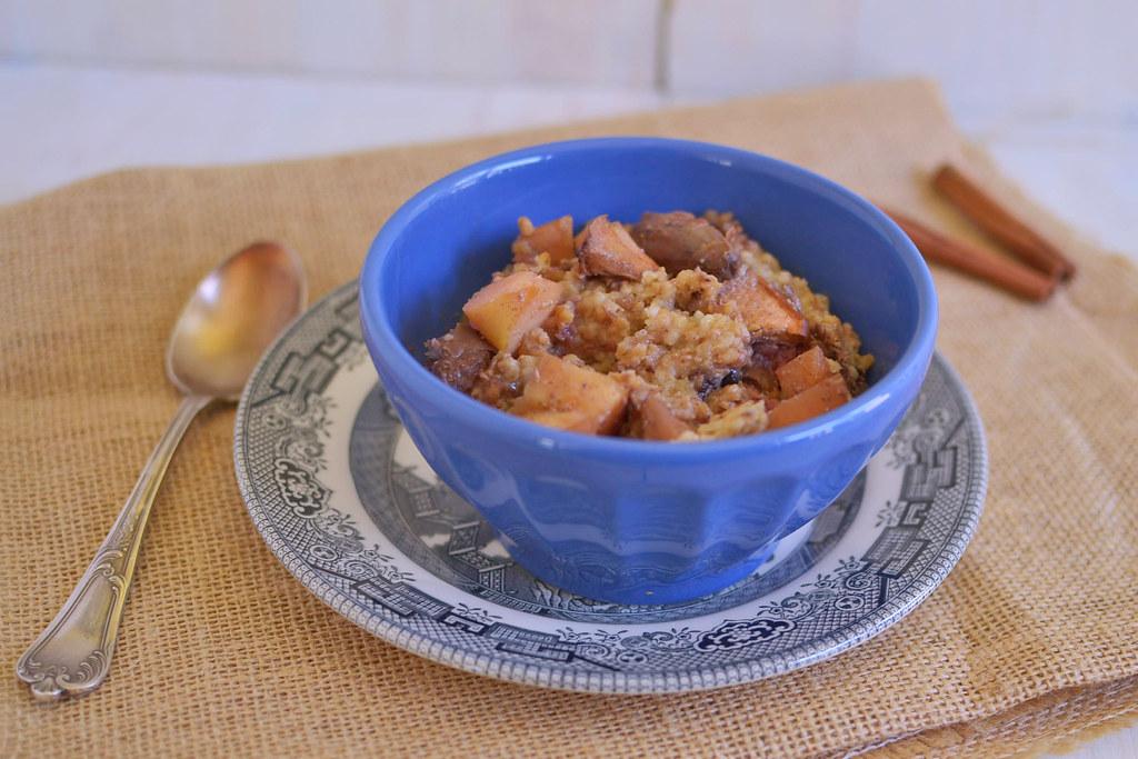 Overnight Apple Oatmeal via LittleFerraroKitchen.com