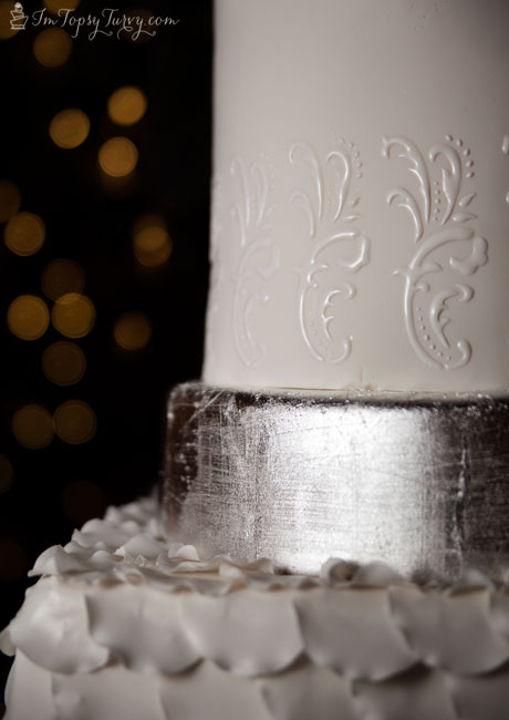 silver-leaf-wedding-cakes