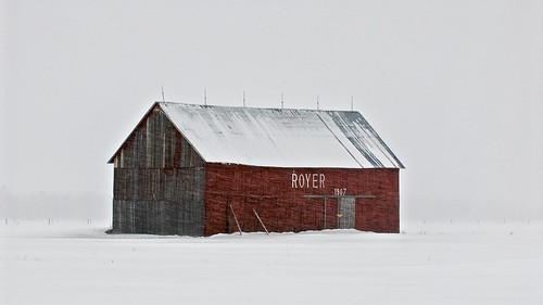 winter usa snow field weather barn rural unitedstates wind michigan farm snowing agriculture upperpeninsula blizzard derelict whiteout redbarn newyearsday rundown rudyard farmstead royer northernmichigan woodframe chippewacounty snowsquall lighteningrod circa1907 centerlineroad 49780
