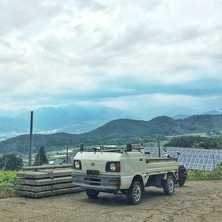 大胆な改造車、オープン軽トラ。葡萄畑でよく見かける仕様。 #yamanashi