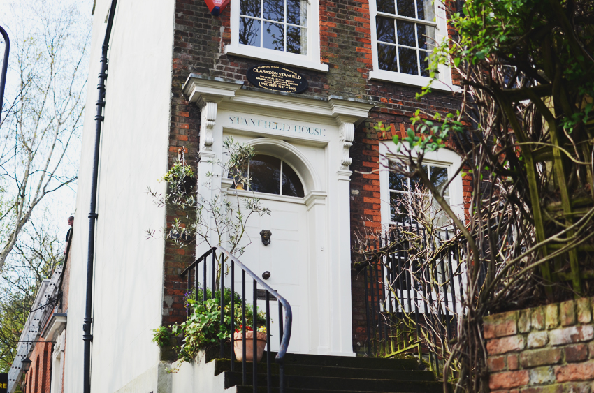10 hampstead house steps
