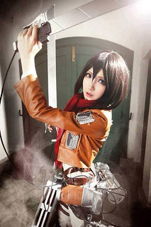 ATTACK-ON-TITAN-MIKASA-COSPLAY-1