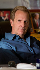 《新闻编辑室》在HBO频道开播第二季。杰夫·丹尼尔斯回归。
