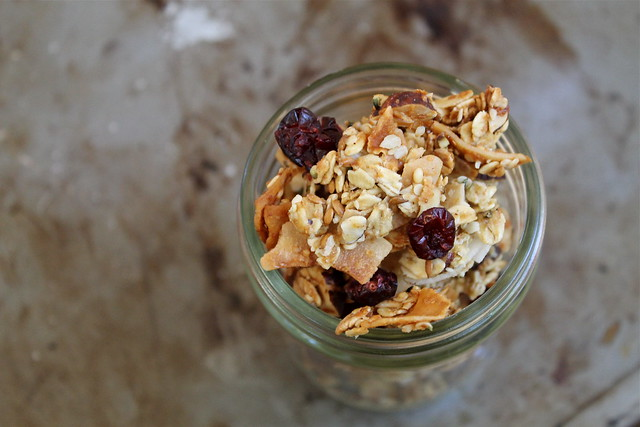 Medium Cluster Maple Granola