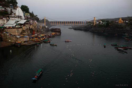 india temple rivière mp lampions madhyapradesh omkareshwar