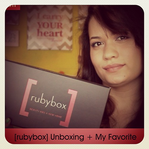RubyBox Unboxing + My Favorite @rubybox_beauty Now on the BLOG www.therabbitandtherobin.co.za {follow me @robindeel on Instagram} Official @rabbitandrobin  #rubybox #unboxing #beauty #makeup