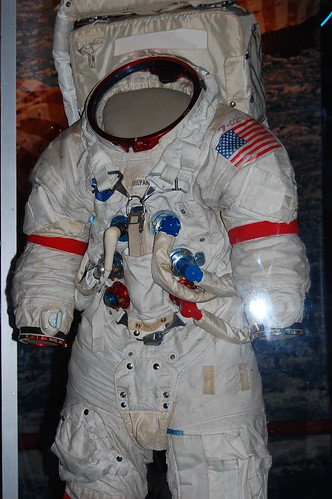 apollo a7l spacesuit - photo #5