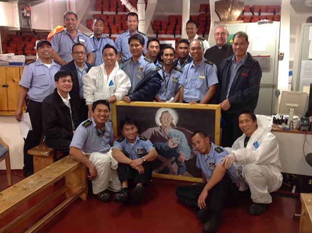 Chaplain And Crew On Cruise Ship Queen Victoria2  Flickr