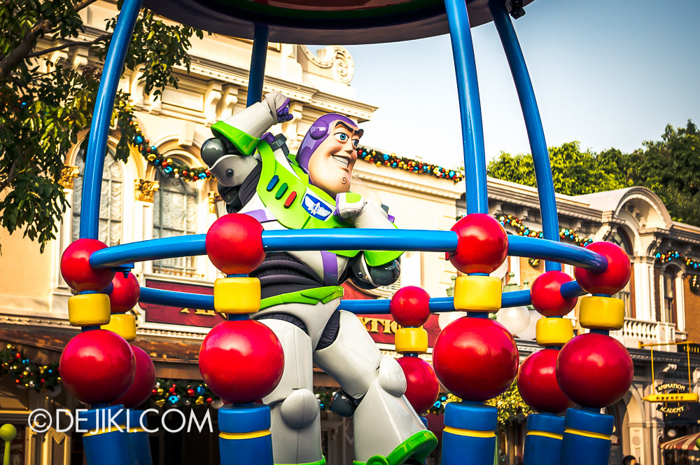 Flights of Fantasy - Toy Story B3 Buzz Lightyear