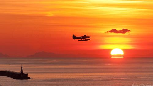 morning canada plane sunrise point dawn bush bc britishcolumbia aviation victoria vancouverisland turbo otter pt float ogden turbine oragne esquimalt breakwater dehavilland macaulay cywh ywh dhc3