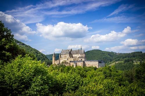 de day château lux luxemburg vianden damncool viandencastle châteaudevianden buergveianen burgvianden pwpartlycloudy