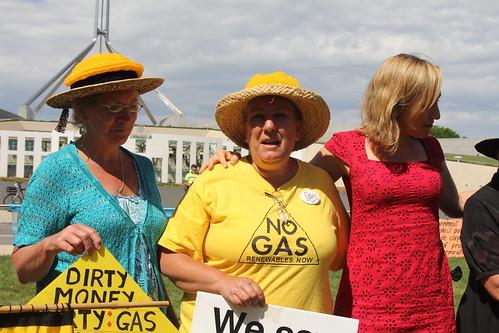 IMG 6071 Suzi, Kathy and Larissa Waters
