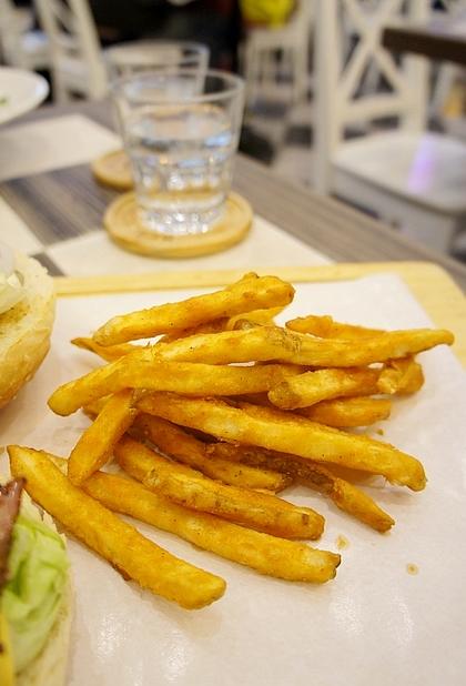 黑羊加州美式漢堡14