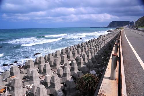老梅至核二 人工海岸,海岸水泥化 (黃俊男攝)