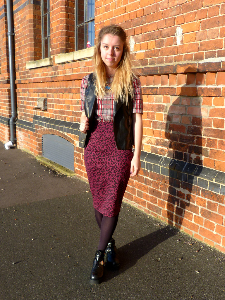 Full length shot | Fashion blogger outfit post