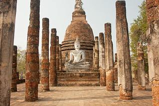 صورة Wat Sa Si قرب Ban Na. thailand asia southeastasia december buddha sukhothai oldsukhothai historicalpark 泰国 สุโขทัย ราชอาณาจักรไทย ประเทศไทย watsasi 2013 canonefs1755mmf28isusm canon450d อุทยานประวัติศาสตร์สุโขทัย sukhothaimuangkao