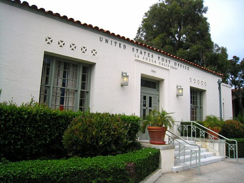 La Jolla, CA post office (by: Steve Lyon, creative commons)