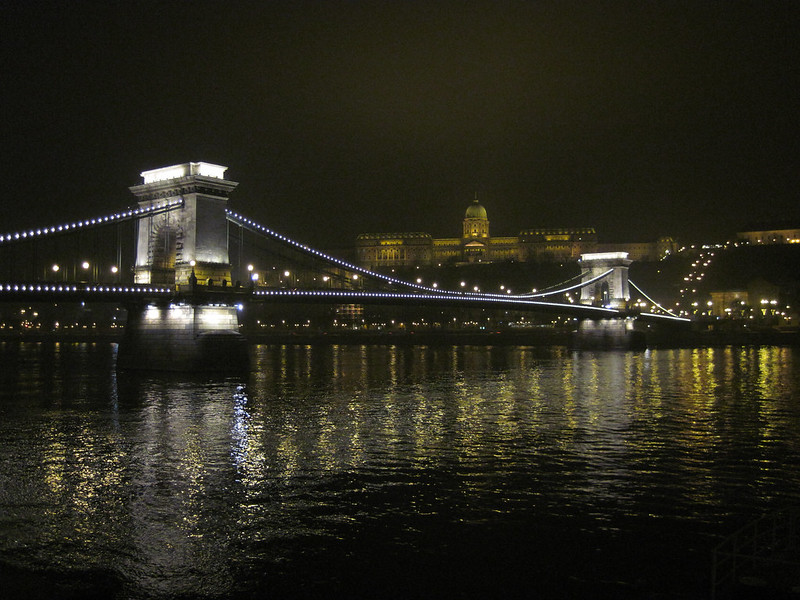 Night photo of Chain Bridge from the east side of the river facing the Buda Castle