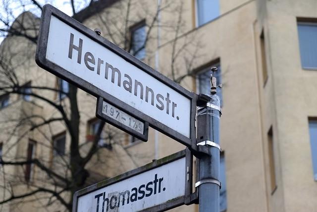 streetart | street yogi | berlin neu-kölln