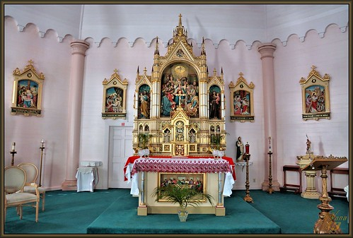 church gold hawaii maui altar ornate sanctuary tabernacle romancatholic kula upcountrymaui holyghostcatholicchurch